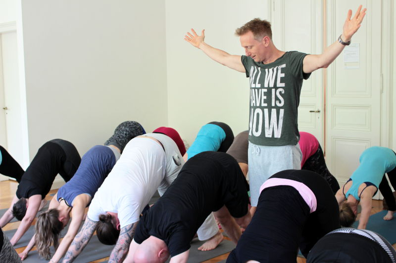 Holger Zapf Yoga + Business